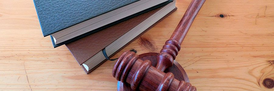 Как может заработать юрист